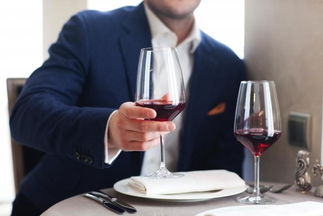 ヒルトン東京で昼下がりの赤ワインと指で遊ばれたプチ情事